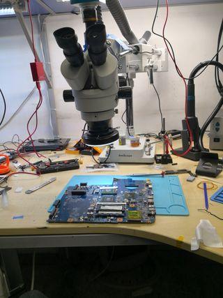 Reparación de placa base de portátil y teléfonos