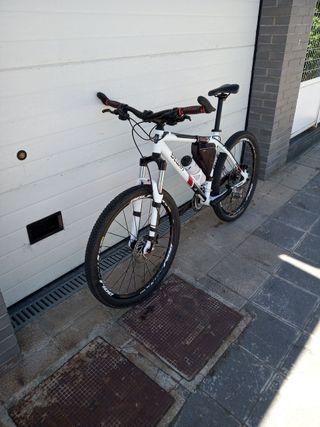 bicicleta b'twin 5.3 muy mejorada