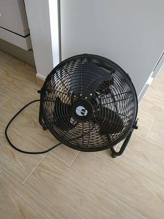 ventilator 30 cm Como nuevo