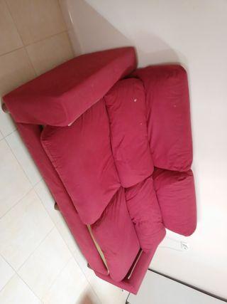 sillón rojo granate