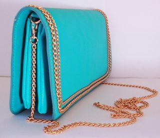 Bolso cartera de solapa piel sintética azul celest