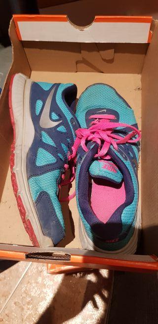 6e29f4fba Bambas Nike mujer de segunda mano en WALLAPOP