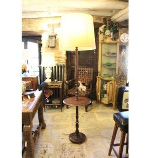 Antigua lámpara mesa auxiliar