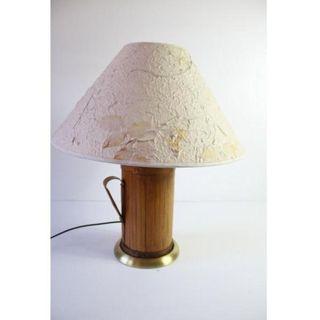 Antigua lámpara de mesa de bambú