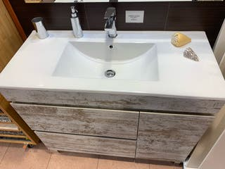 Mueble de baño nuevo, cambio de exposiciones