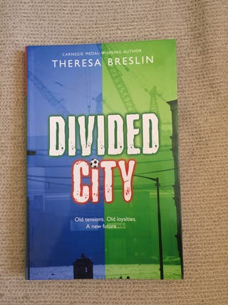 Libro lectura ingles DIVIDED CITY Theresa Breslin