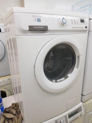 lavadora secadora Electrolux semi nueva