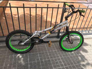 Bicicleta trial monty