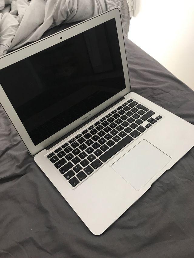 Se vende MacBook Air como nuevo