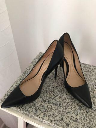 Zara Woman zapatos tacón piel núm. 37