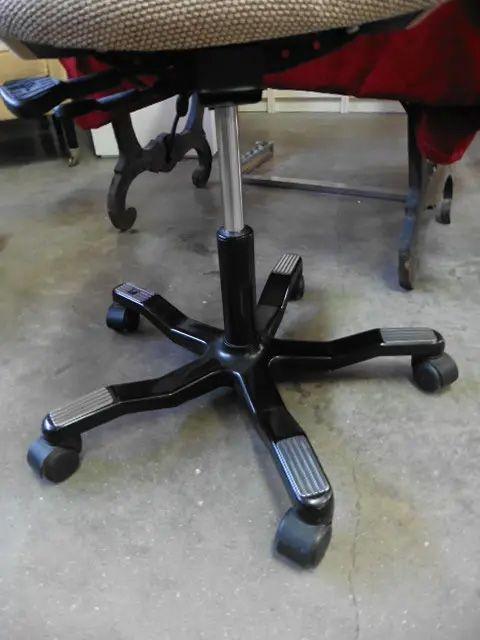 Silla escritorio giratoria con patas metálicas ref