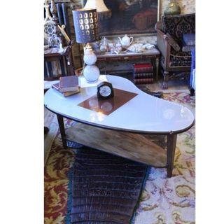 Antigua mesa de diseño madera cristal
