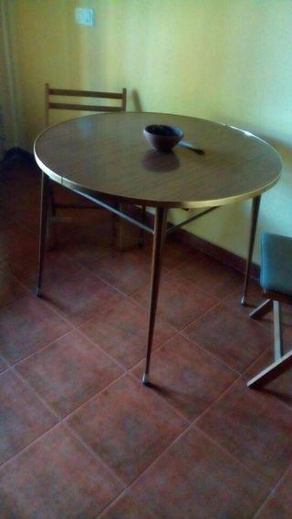 VINTAGE mesa de metal