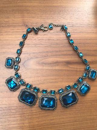 6039ff19c9c5 Collar Zara azul de segunda mano en WALLAPOP