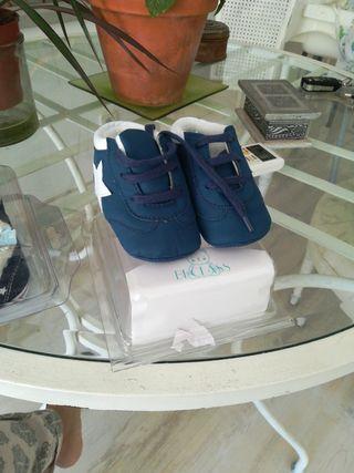 Lote zapatillas sin estrenar bebé