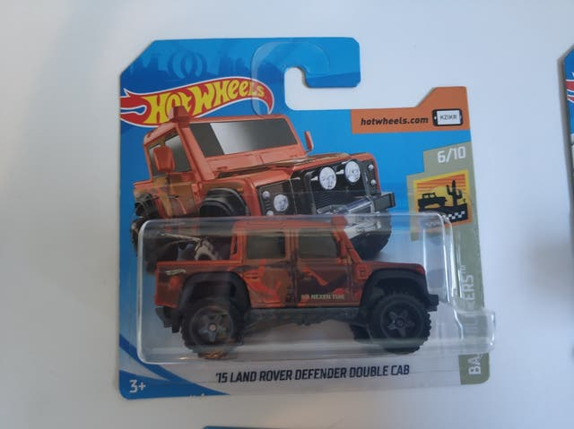 Hot wheels 15 land Rover defender double cab