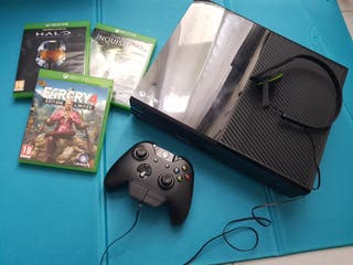 Xbox one 500GB+ 3 jeux + manette + casque