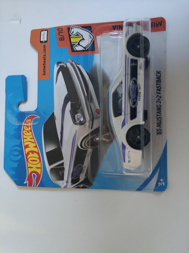 Hot wheels 65 mustang 2+2 fastback