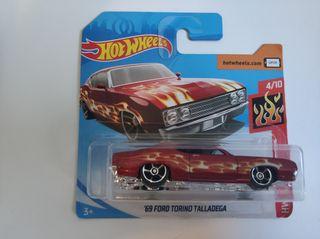 Hot wheels Ford Torino talladega