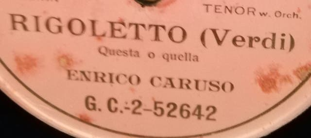 Rigoletto. Caruso. Disco pizarra gramófono