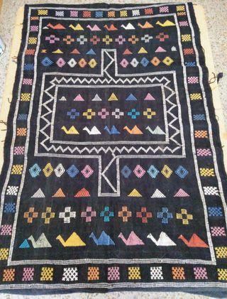 Alfombra tapiz bereber de segunda mano por 50 € en Albolote