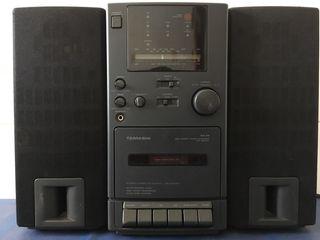 Mini cadena radio, casete y entrada CD