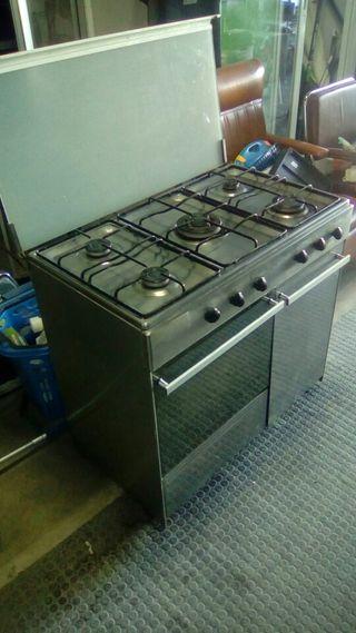Cocina horno gas 5 fuegos