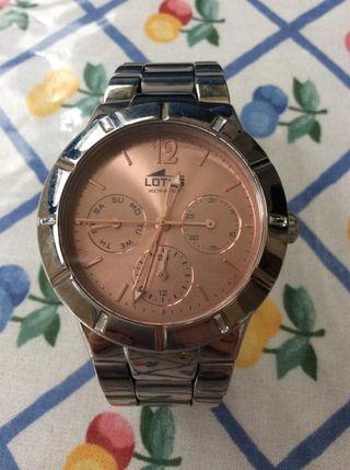 f3fc945c07cb Reloj de plata rosa de segunda mano en WALLAPOP