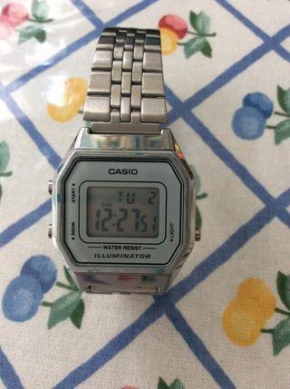 bd9c1a4df81d Reloj digital mujer de segunda mano en WALLAPOP