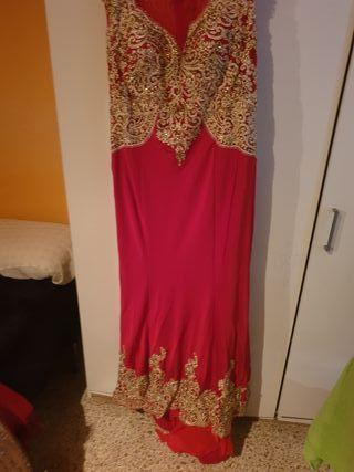 se vende vestido de fiesta o boda