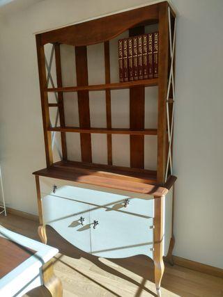 Librería de madera de cerezo