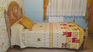 Dormitorio juvenil (2 camas + mesita)