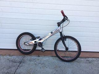 Bicicleta trial Monty 205K