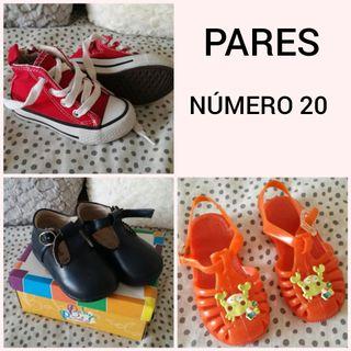 Zapatos, chanclas, calzado N 20