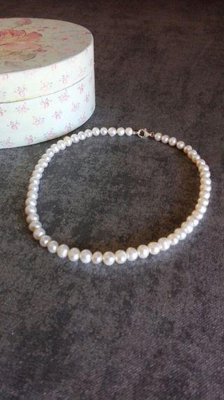3a849bde4a39 Collar de perlas naturales de segunda mano en WALLAPOP