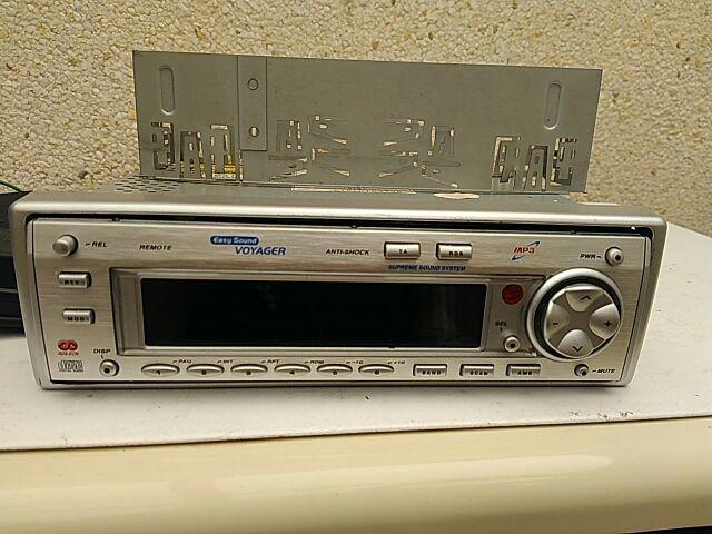 Radio coche. Digital.