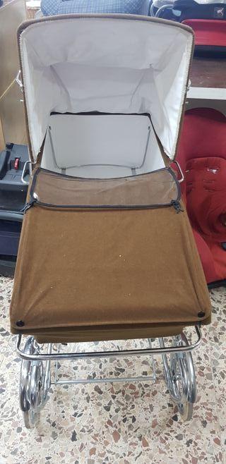carrito con silla de niño vintage