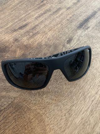 47bc1604bf Gafas de sol de segunda mano en San Sebastián de Los Reyes en WALLAPOP