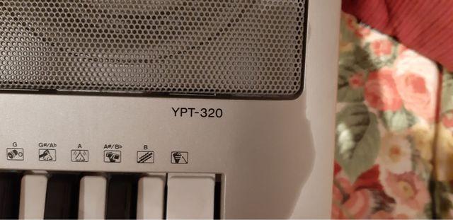Teclado / keyboard YAMAHA