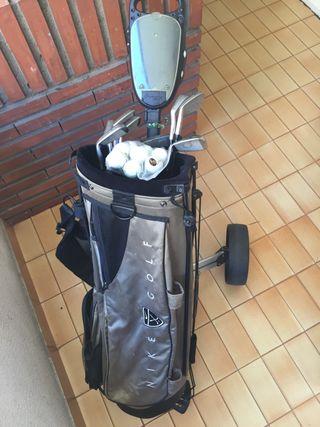 Bolsa, palos y carro de golf