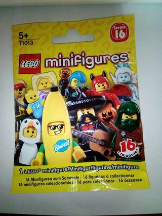 Minifigura lego serie 16.Niñera. Sobre cerrado
