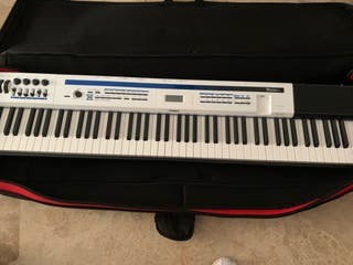 81ebbb27c71f Piano Casio de segunda mano en Valencia en WALLAPOP