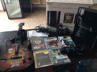 Consola PS3 80GB mando guitarra micro y 5 juegos
