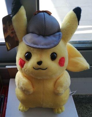 Peluche Pikachu Detective. NUEVO