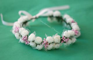 Corona de flores hecha a mano de alta calidad