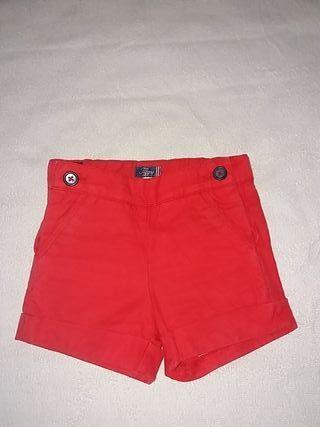 Pantalón corto. Tizzas. Adaptable en cintura.