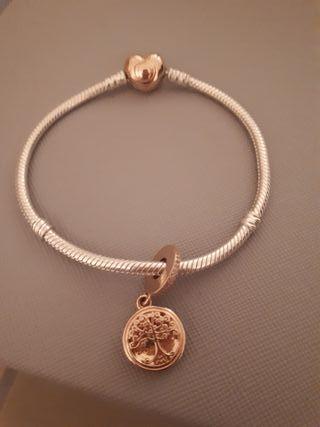 26a43814b5d2 Pulsera de plata Pandora de segunda mano en Madrid en WALLAPOP