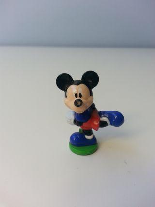 Figura Mickey Mouse deportista