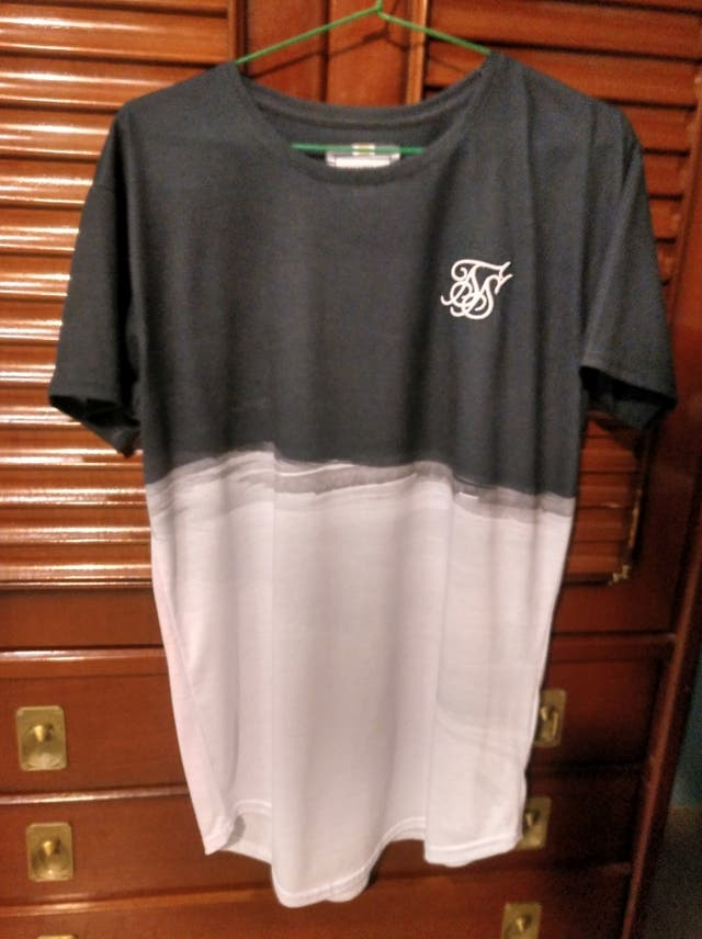siksilk t-shirt LARGE