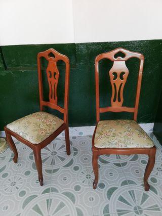3 sillas casi nuevas